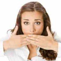 неприятный запах изо рта после еды причины