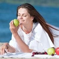 Как правильно питаться летом. Пять правил летнего питания. Советы
