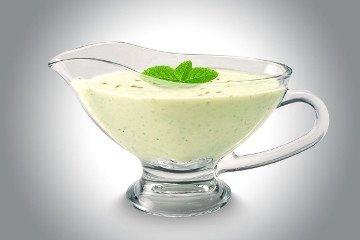 освежающий ласси с йогуртом и мятой